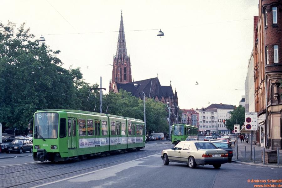 http://rueckblicke2.lokfoto.de/1993/1993_5/D21202_ustra_6044.jpg