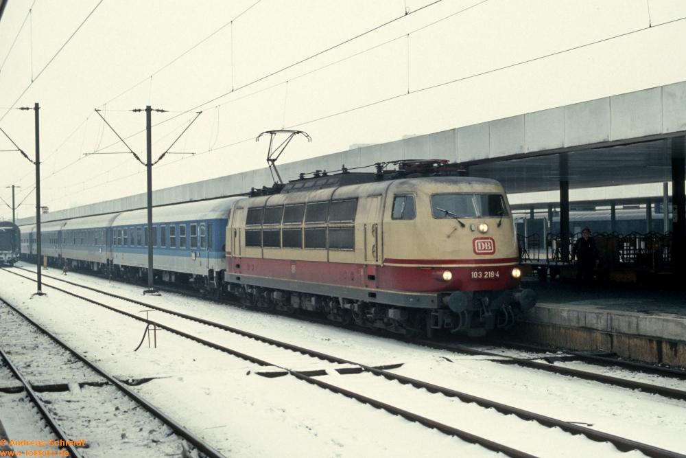 http://rueckblicke2.lokfoto.de/1994/1994_1/D21513_103_218.jpg