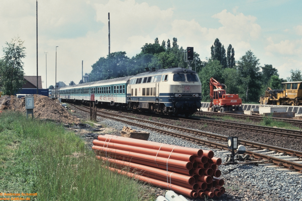 http://rueckblicke2.lokfoto.de/1994/1994_2/D21709_218_907.jpg