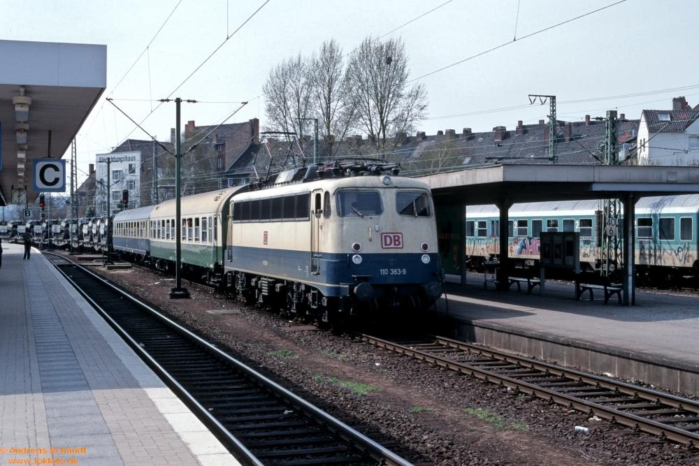 http://rueckblicke2.lokfoto.de/1996/1996_04-05/D23673_110_363.jpg